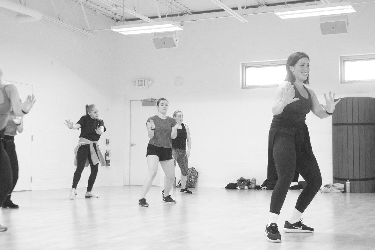 Gina+Parenti+%28right%29+teaches+at+Virtuosity+Dance%E2%80%99s+first+intensive+that+included+dancers+of+multiple+skill+levels.+Photo+via+Facebook.