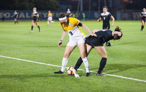 Women's soccer slumps after historic start