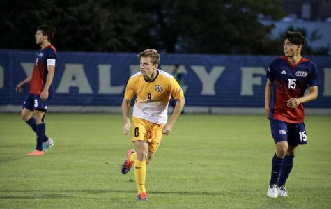 Brody Kraussel advances forward from his midfield position against Illinois-Chicago.