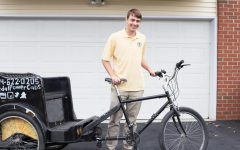 Sophomore launches pedal cab business on campus, looks to expand around Milwaukee