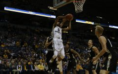 Men's basketball survives exhibition game against Lindenwood despite shortcomings