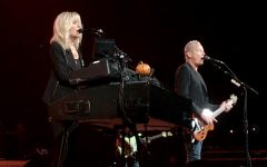 Lindsey Buckingham and Christine McVie electrify Riverside Theater with sounds of the '70s