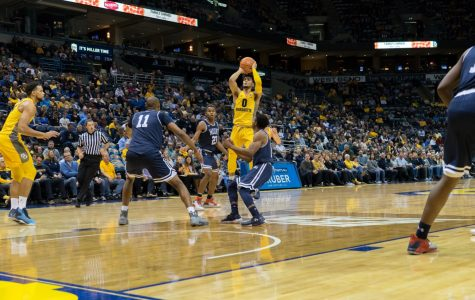 Floor slaps: No threes, no problem for men's basketball
