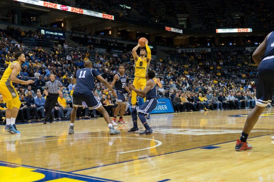 Floor slaps: No threes, no problem for mens basketball