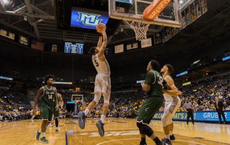 Men's basketball notes: Short bench gives Elliott, fellow freshmen opportunities