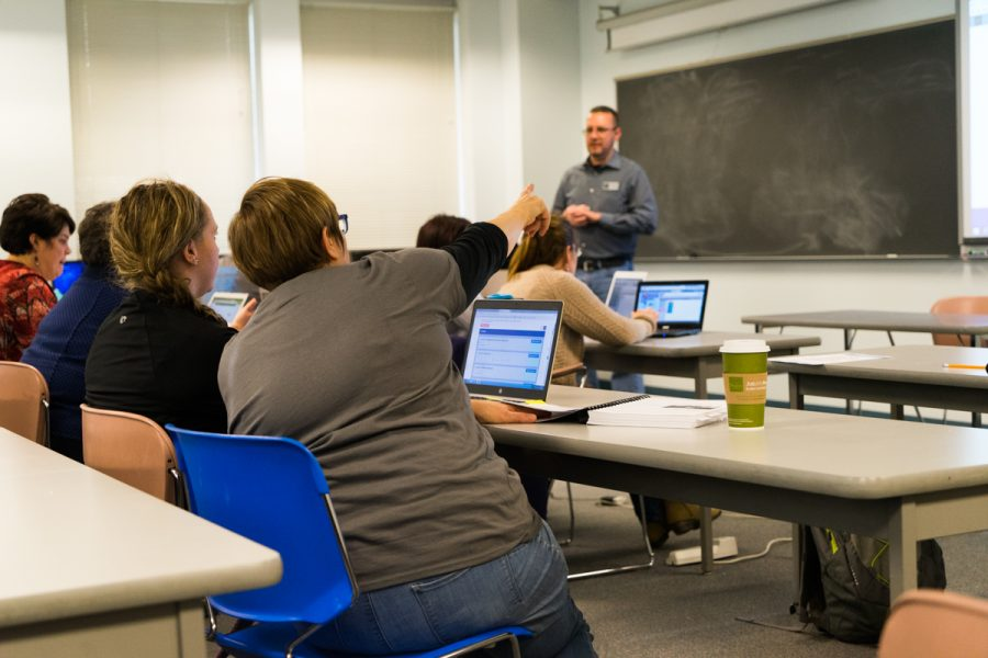 Professor Dennis Brylow teaches an elementary computer science class to elementary, middle and high school teachers in preparation for Computer Science Education Week.