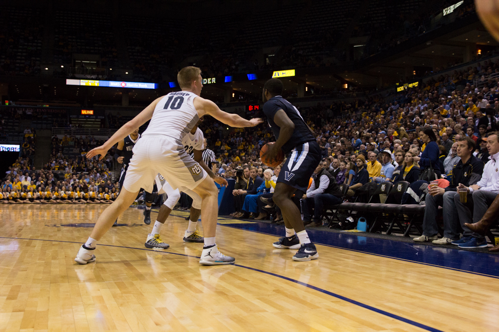 No. 1 Villanova survives scare, defeats Marquette, 85-82