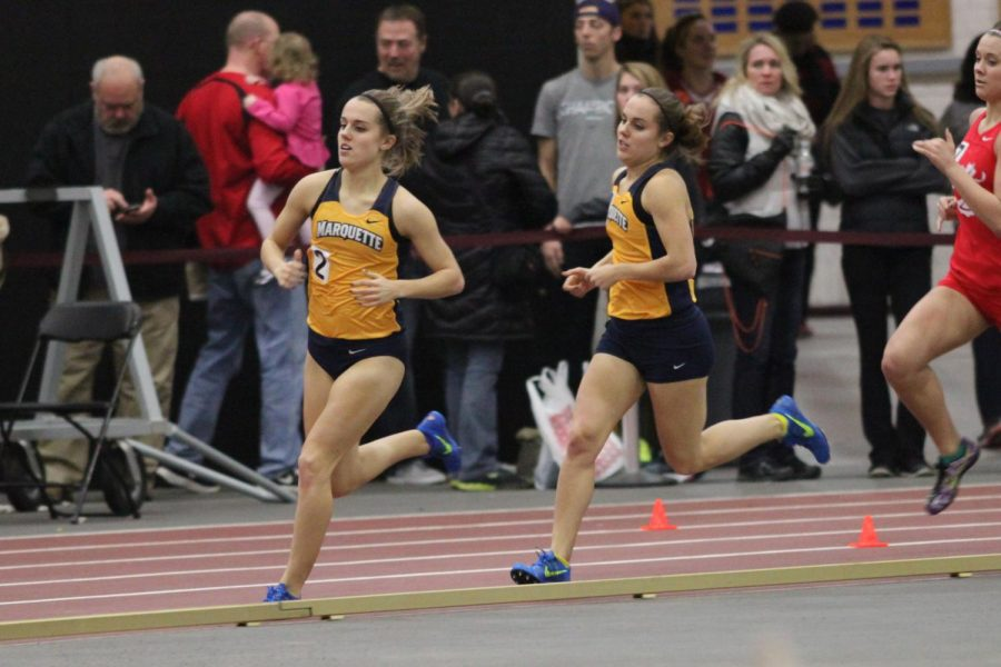 Jennifer+and+Jessica+Parker+compete+in+a+relay+race.+%28Photo+courtesy%3A+Maggie+Bean%2FMarquette+Athletics%29