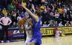Women's basketball loses to Creighton in final seconds