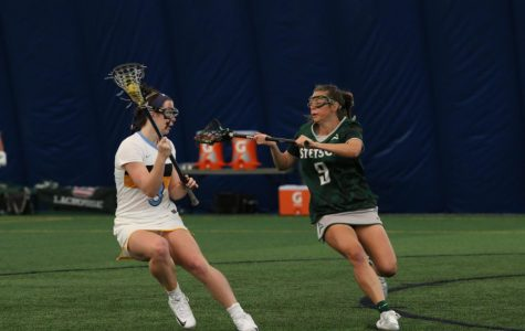 Women's lacrosse moves to 4-0 in conference play after rout over Butler