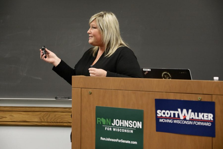 Suzanne Anglewicz, an NRA midwest field coordinator, speaks at an NRA University program hosted by College Republicans.