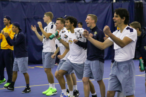 Tennis teams have perfect weekend at home