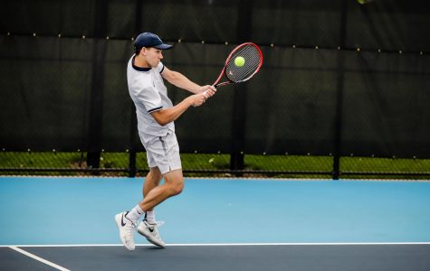 No. 9 Illinois proves to be too dominant for men's tennis