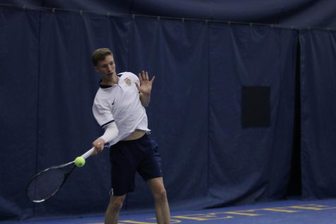Tennis teams go undefeated in testy weekend
