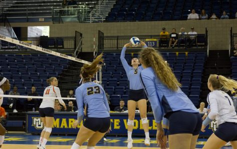 Volleyball downs Syracuse in Marquette Invitational finale