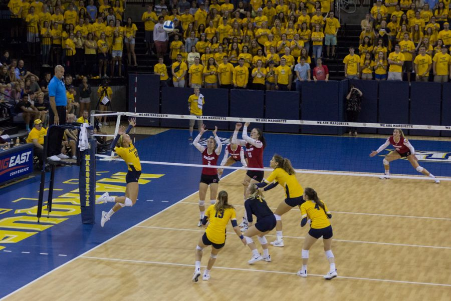 In-state+foe+No.+6+Wisconsin+dominates+No.+21+Marquette+volleyball