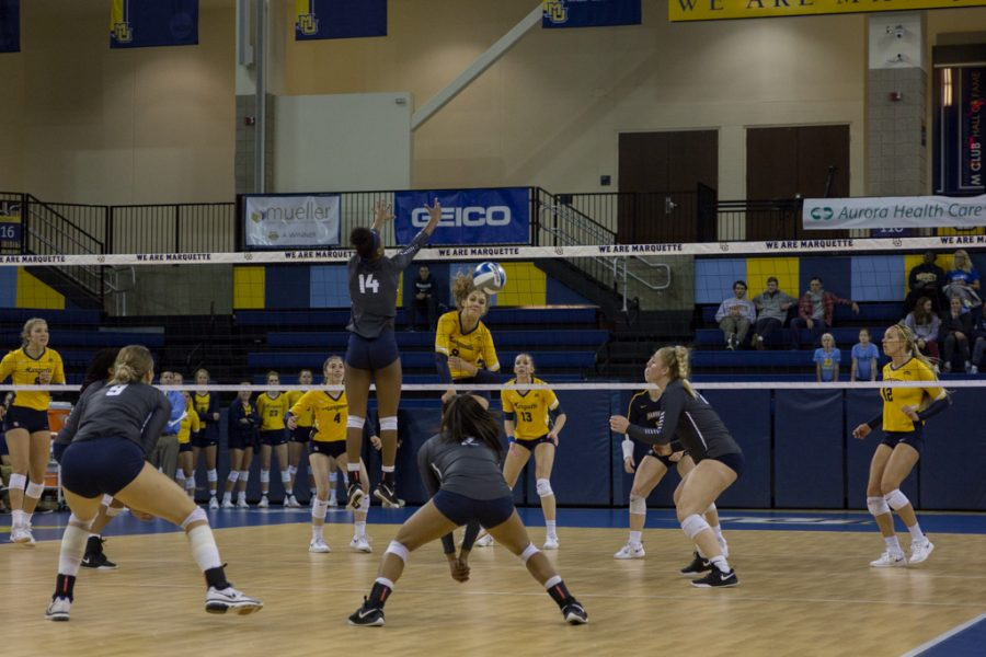 Volleyball downs Georgetown in straight sets