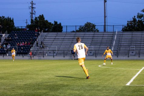 Men's soccer squanders 3-0 lead to draw Milwaukee Cup