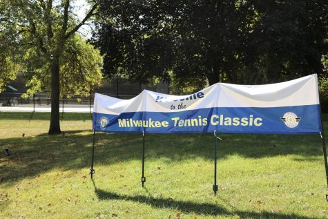 Tennis teams go undefeated for weekend