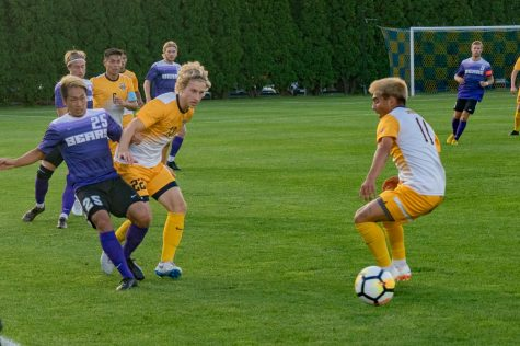 Men's soccer beats St. John's in OT as Connor Alba nets last-minute goal