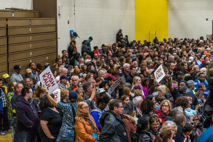3%2C500+people+lined+the+walls+of+North+Division+High+school%27s+gymnasium%2C+600+more+in+an+overflow+room.+