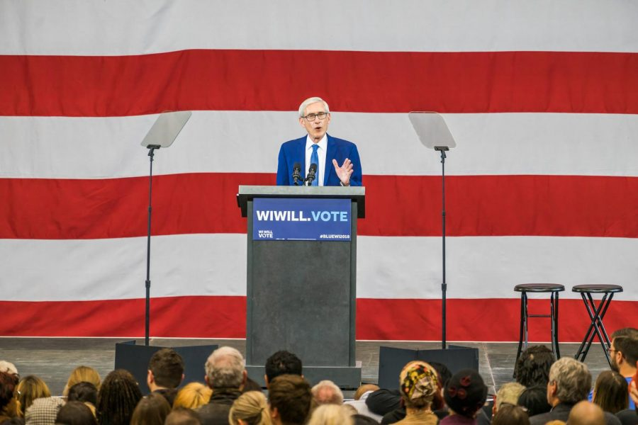 Gov.+Tony+Evers+speaks+at+a+democratic+rally+in+late+October+2018.%0A%0AWire+stock+photo.+