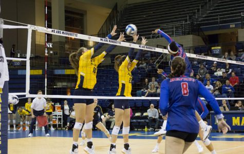Volleyball routs DePaul for eighth consecutive sweep