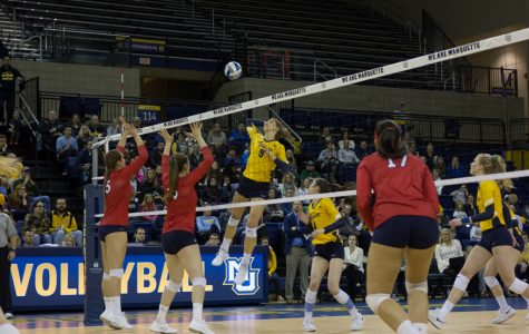 Marquette ends regular season with sweep over St. John's