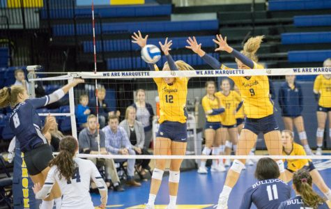 Volleyball opens four-match road trip with four-set victory against Villanova