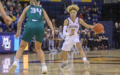 Women's basketball picks up first win over Green Bay in Kieger era