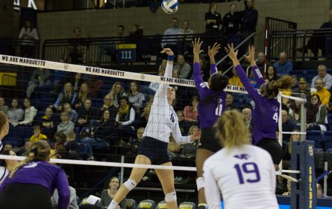 Volleyball sweeps HPU in opening round of NCAA Tournament