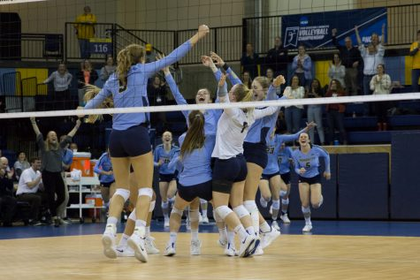 Volleyball advances to Sweet 16 after second consecutive NCAATournamentsweep