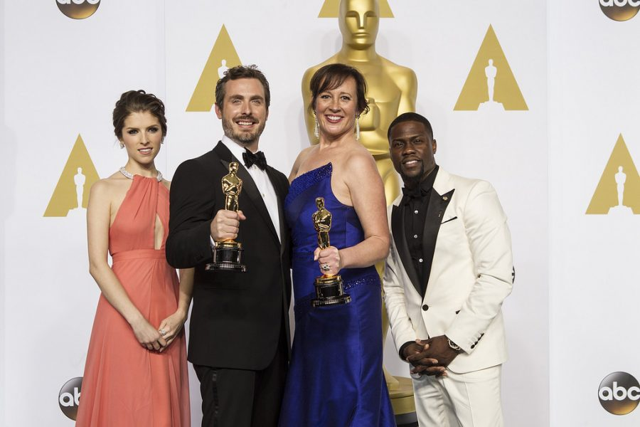 Hart poses at the 2015 Oscars with winners of Best Animated Short Film. Photo via Flickr.