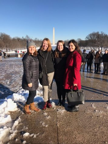 Students stand in front of the Lincoln Memorial during their Les Aspen experience.   Photo courtesy of Lily Dysart.