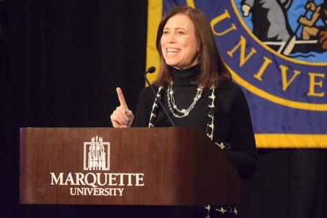 Marquette's first lady visits Active Minds meeting