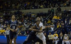 Davenport records 1000th career rebound in win over Georgetown