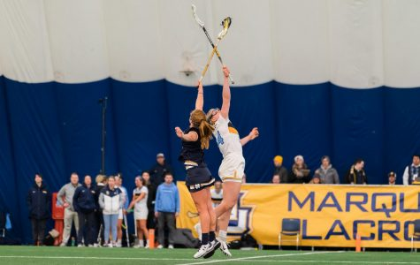 Women's lacrosse falls 19-4 to Notre Dame in home opener