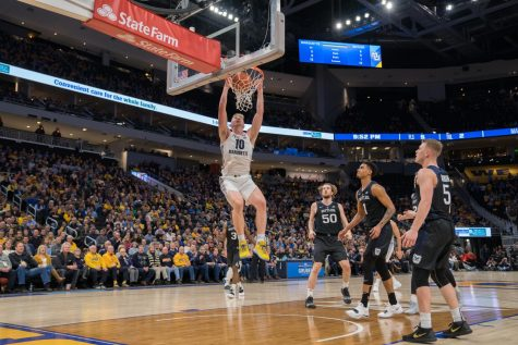 Marquette worn down by St. John's
