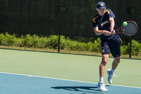 Women's tennis scores pair of shutouts on senior night