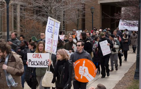Community members, students show up to support faculty and graduate students at rally