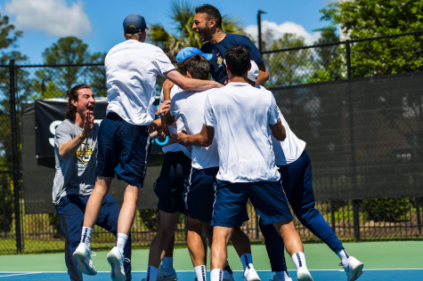 Both tennis teams open spring season with blowout victories