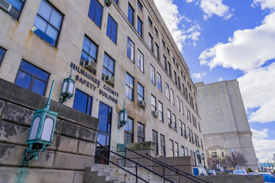 Members of the Milwaukee County district attorney's office, which is currently located inside the safety building on State Street, did not have staff members at the inquest looking into Walter Spence's 1978 death.