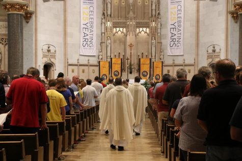 Traditional Masses start off Marquette's spiritual year