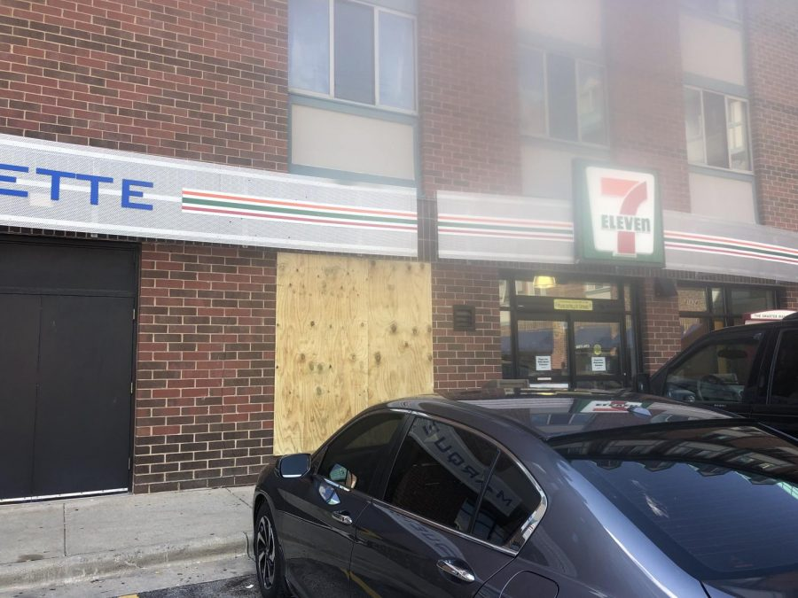 There was some minor damage to the 7-Eleven building.