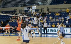Volleyball sweeps Syracuse in home opener