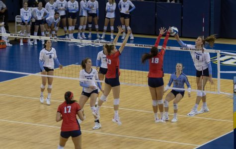 Volleyball outlasts St. John's in third BIG EAST game in four days