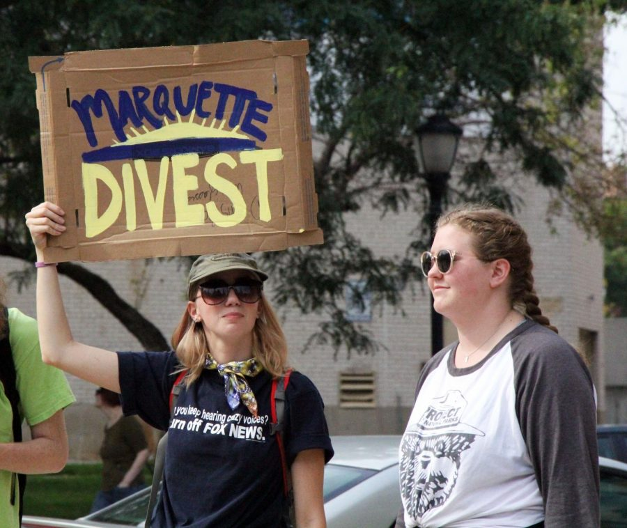 Protestors+marched+to+Zilber+Hall+to+urge+Marquette+to+divest.