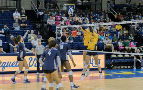 Volleyball sweeps Butler in BIG EAST opener