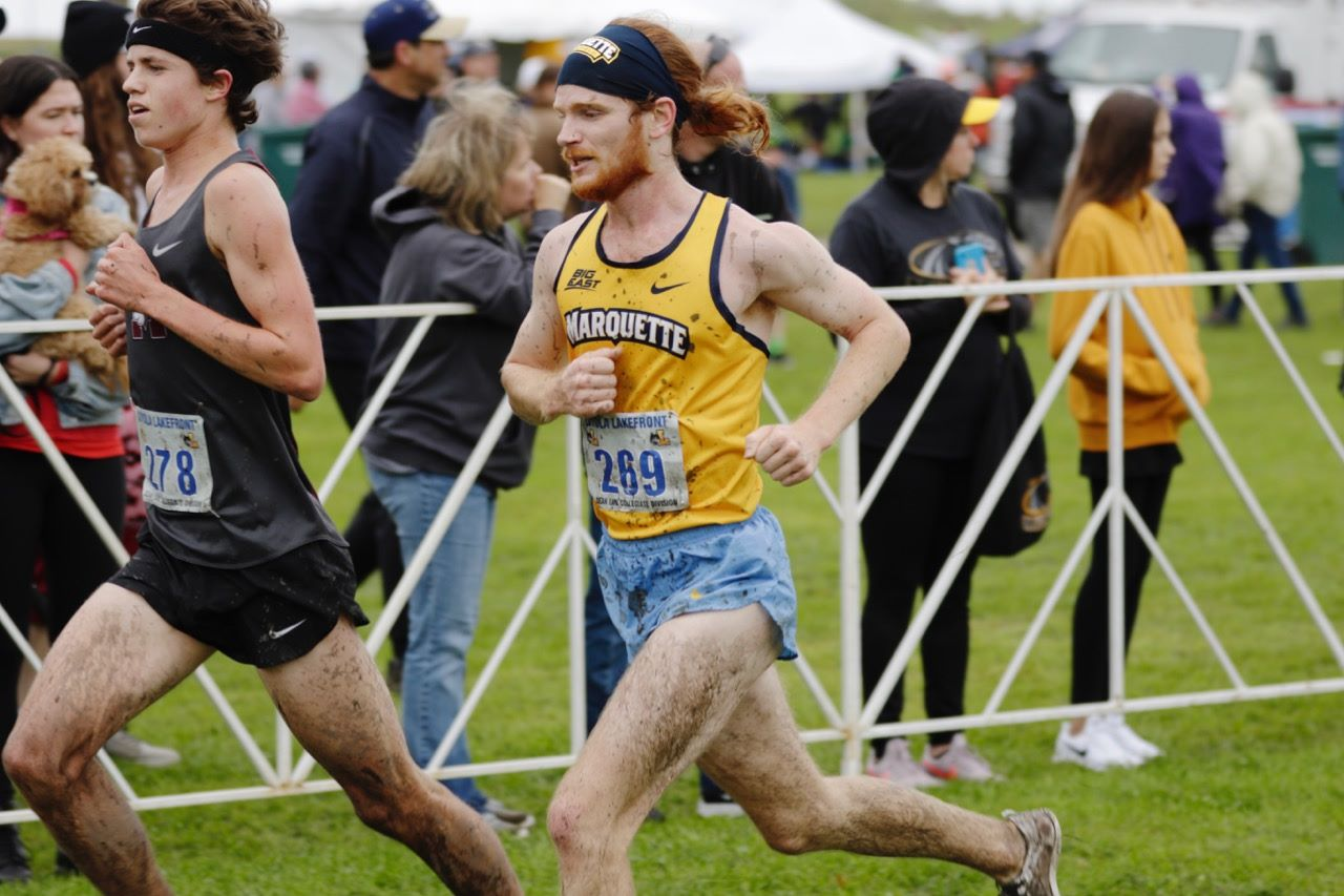 Daniel Pederson running in the Loyola Lakefront Invitational Sept. 28. (Photo courtesy of Marquette Athletics.)