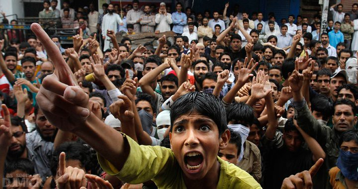 Citizens+protest+India%27s+militarization+of+Kashmir%2C+a+disputed+territory+between+India+and+Pakistan.+Photo+via+Flickr.+